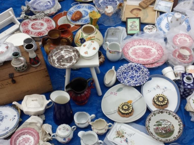 Hattem-rommelmarkt-borden